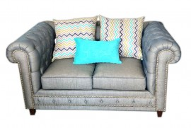 Loveseat modelo Chesterfield